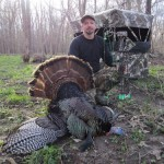 Steve-illinois-bowhunting-turkey-rhino-blind-1