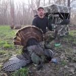 Steve-illinois-bowhunting-turkey-rhino-blind-1